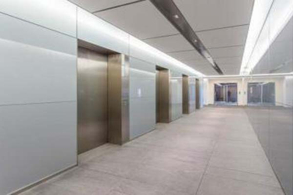 保利国际广场电梯