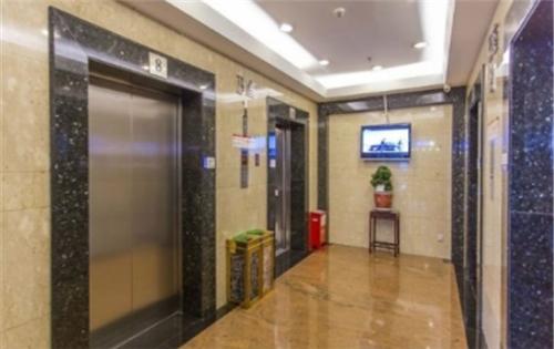 通泰大厦电梯